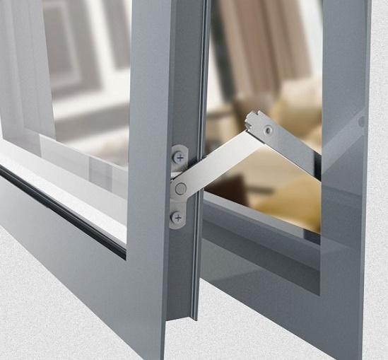 تعویض اسپانیولت و رگلاژ پنجره upvc