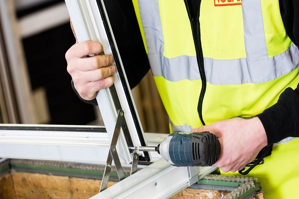 قسمت های درگیر در تعمیر و رگلاژ پنجره دوجداره
